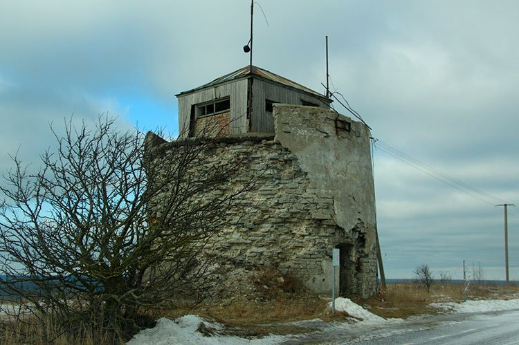 Руины старого маяка Пакри