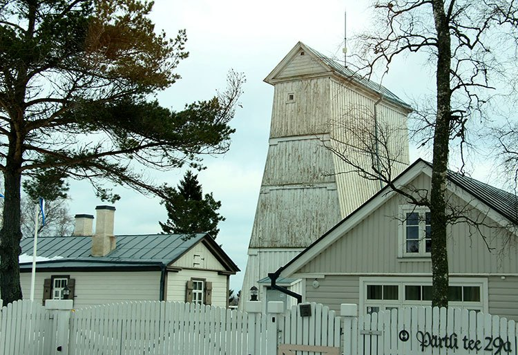Деревянный маяк Суурупи (нижний)