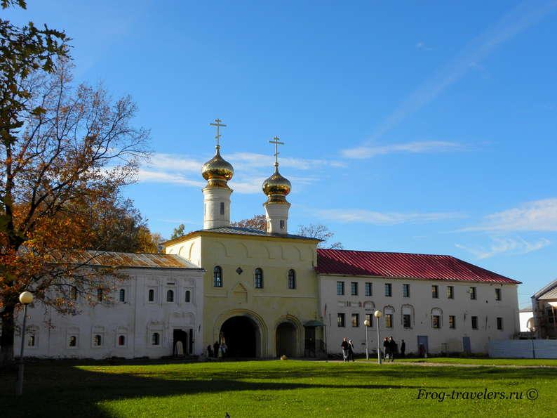 Монастыри России фото
