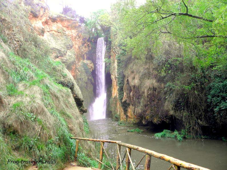 Самый высокий водопад Монастыря де Пьедра