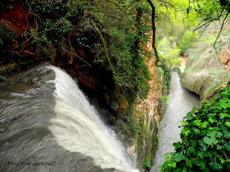 Самый высокий водопад у Монастыря де Пьедра в Испании