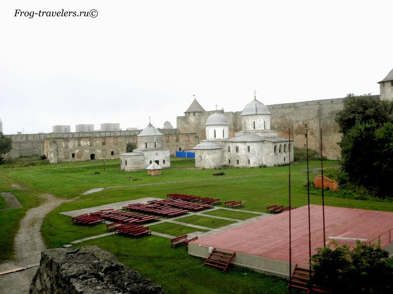 Старые церкви Ивангорода