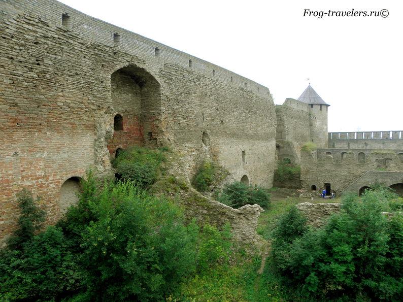 Замок в Ивангородской крепости