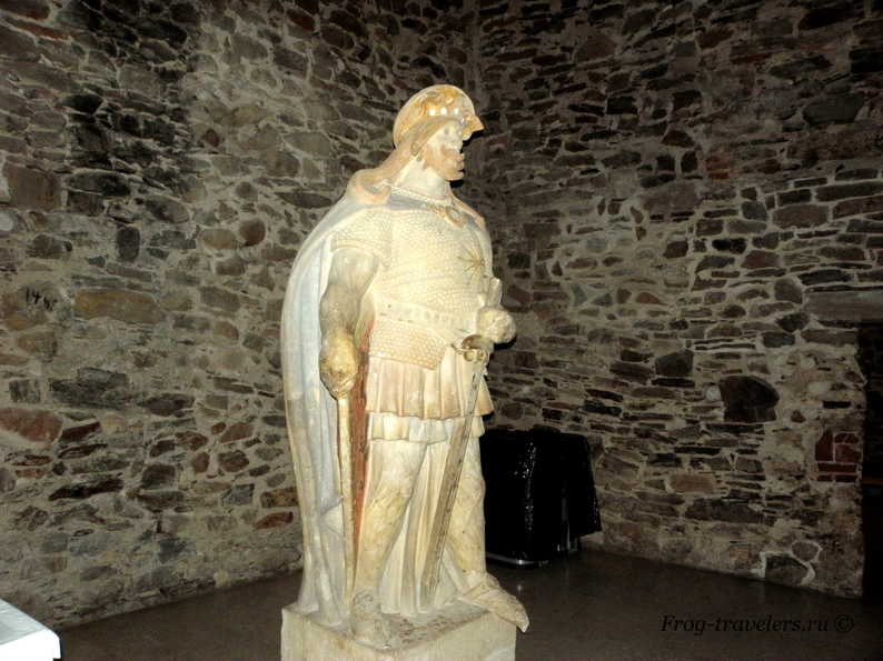 Святой Олаф - статуя