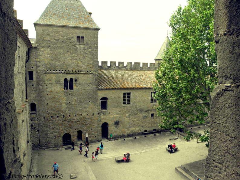 Франция. Город-крепость Каркассон (Каркасон). Средневековый замок в Лангедоке. Верхний город Сите. Замок Конталь