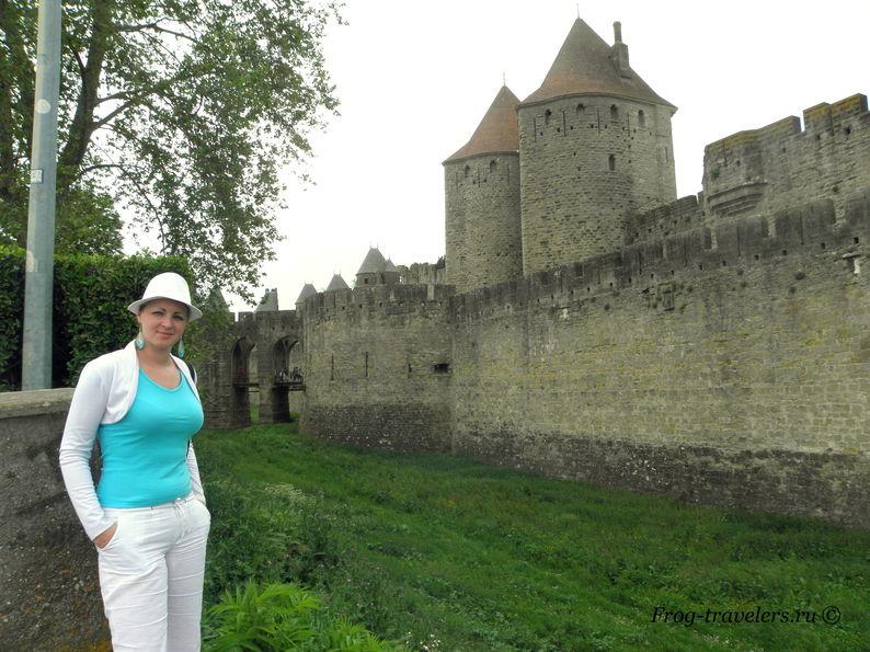 Франция. Город-крепость Каркассон (Каркасон). Средневековый замок в Лангедоке. Нарбоннские ворота