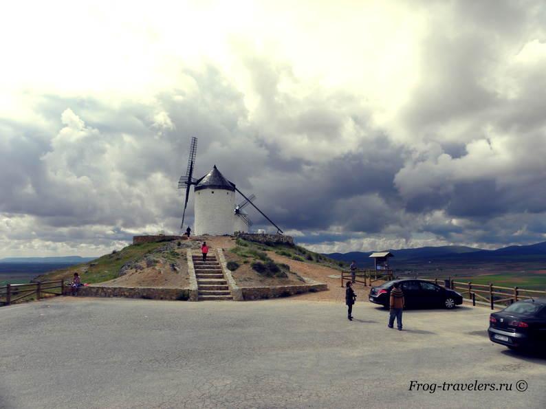 Ветряные мельницы Консуэгра фото