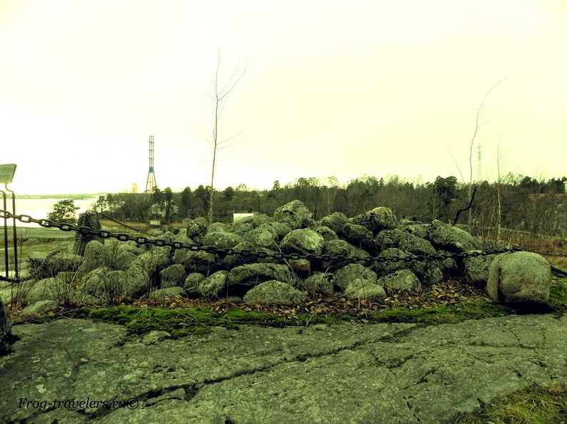 Курган-могила у залива Humallahti в Хельсинки