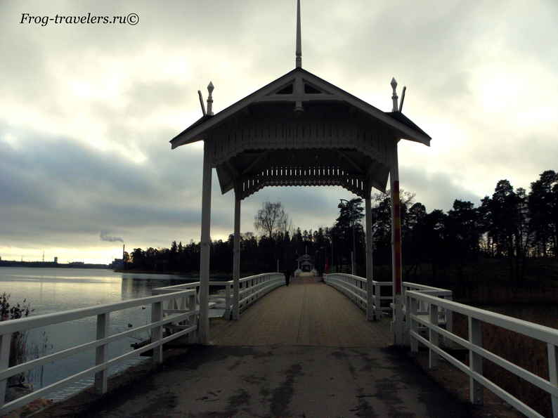 Мост на остров Сеурасаари в Хельсинки