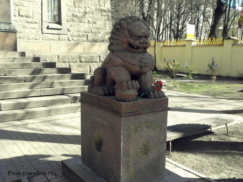 Охранник дацана Петербург