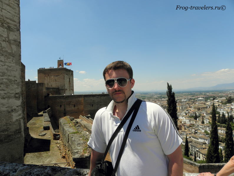 Константин Саморосенко во дворце Альгамбры в Гранаде фото