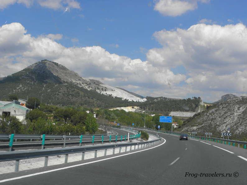 Дороги и горы Испании фото