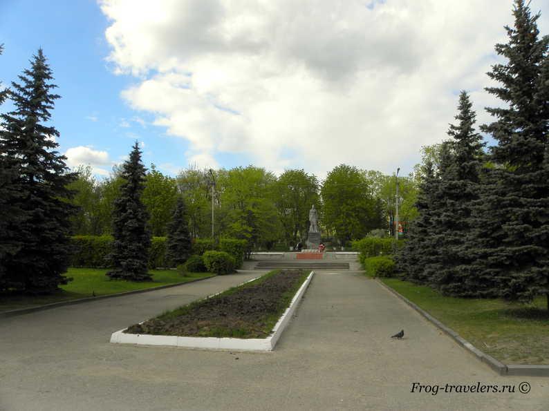 Памятник Герою Советского Союза Клавдии Назаровой
