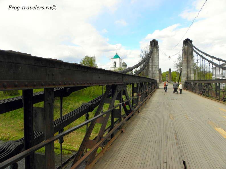 Фото цепных мостов города Острова Псковской области