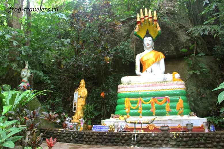 Будда храма Хин Лад