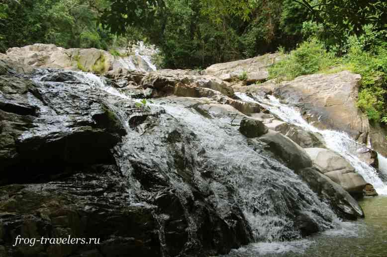 Первый уровень водопада Хин Лад