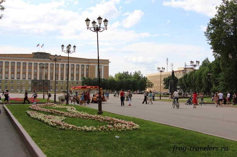 Центр Великого Новгорода: Здание Правительства