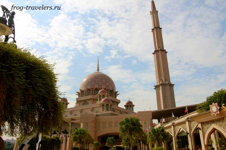 Минарет мечети Путра