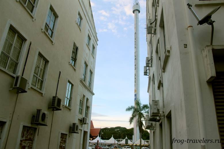 Башня Menara Taming Sari