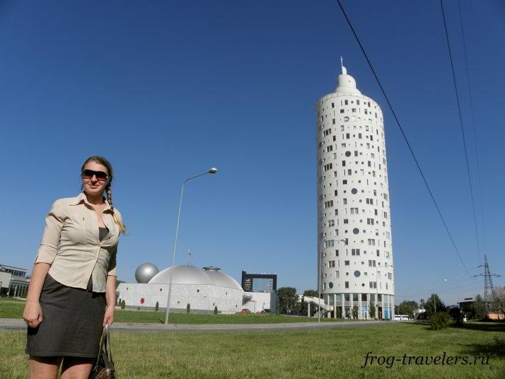 Центр АХХАА и самое высокое здание