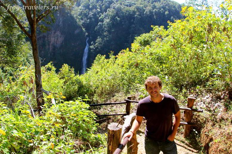 Константин Саморосенко на водопаде