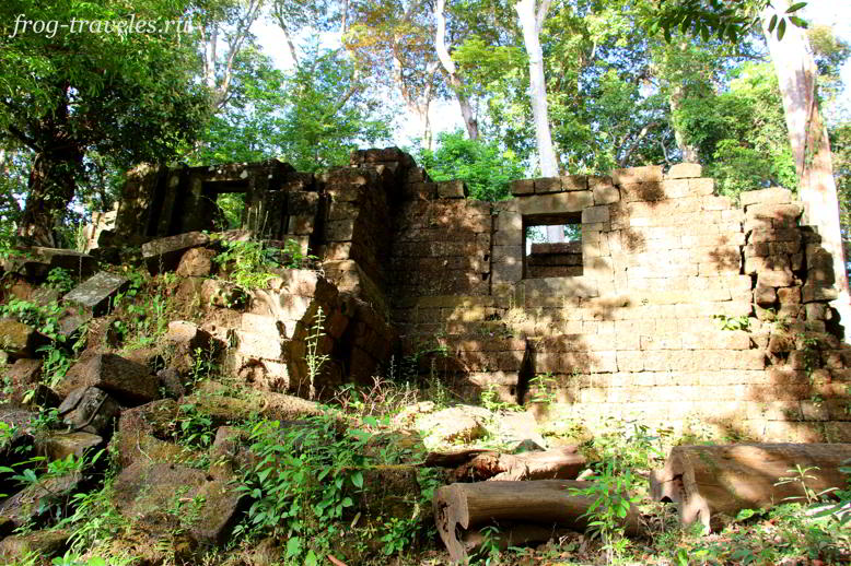 Oumung Monument