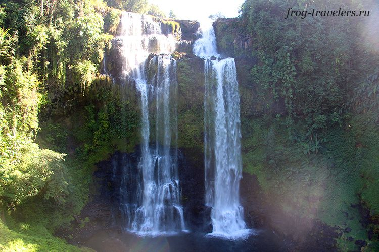 Водопад Tad Yuang (Gneuang) Waterfall на плато Болавен