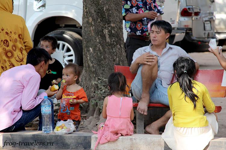 Люди в Лаосе