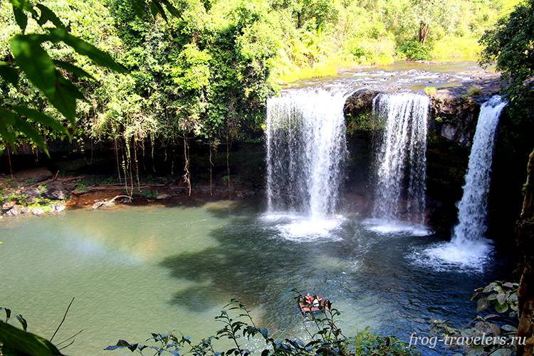 Водопад Чампи на плато Болавен Лаос
