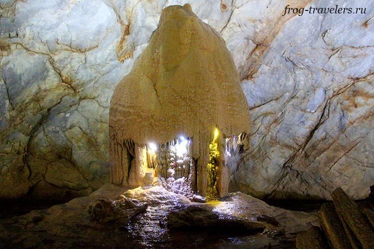 Самые красивые пещеры Азии