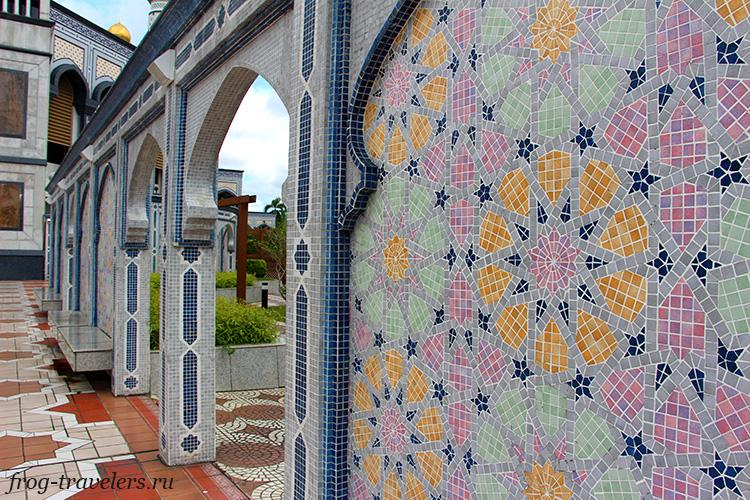 Стены мечети