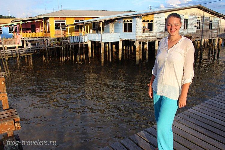Марина Саморосенко в деревне на воде