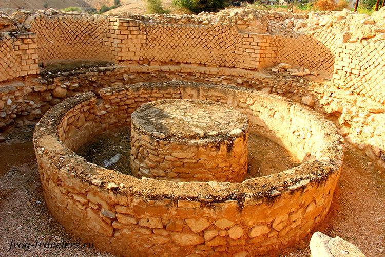 Руины зимнего дворца Ирода в Палестине