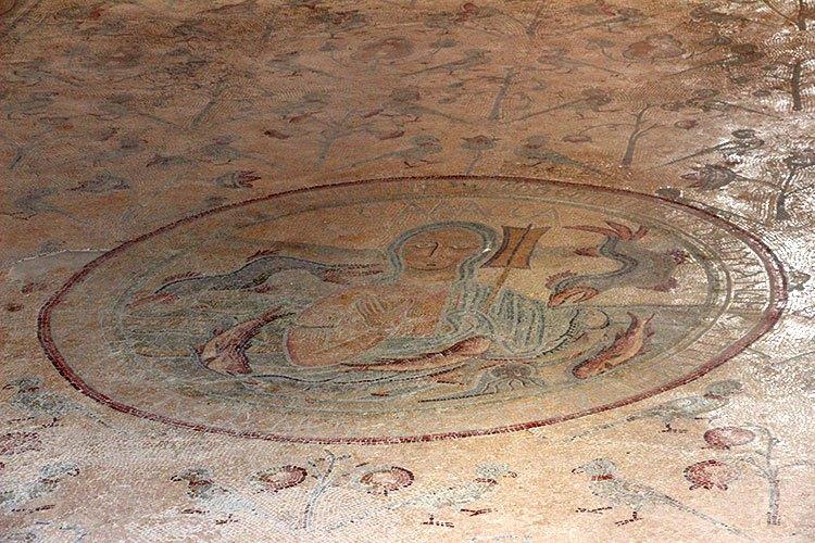 Мозаика в церкови Апостолов в Иордании
