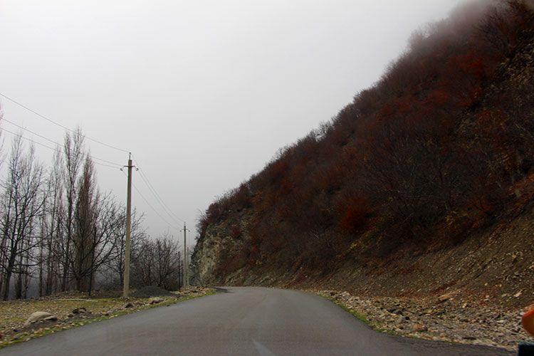 Дорога в деревню Лагич: асфальт