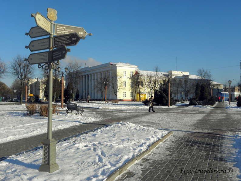 Достопримечательности Полоцка на карте. Достопримечательности Полоцка на карте. Что посмотреть в Полоцке? Площадь Свободы и памятник героям Отечественной войны 1812г.