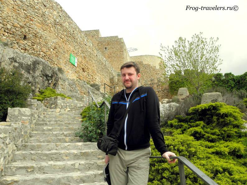 Замок Консуэгра в Испании фото