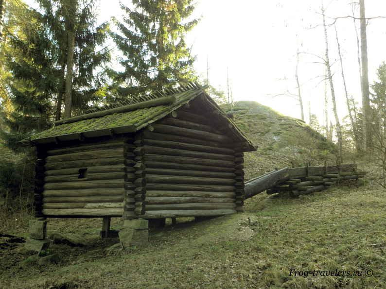 Мельницы и домики на острове Сеусаари в Хельсинки фото