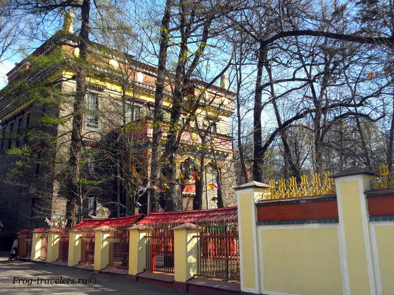 Дацан Гунзэчойнэй – буддийский храм в Санкт-Петербурге фото