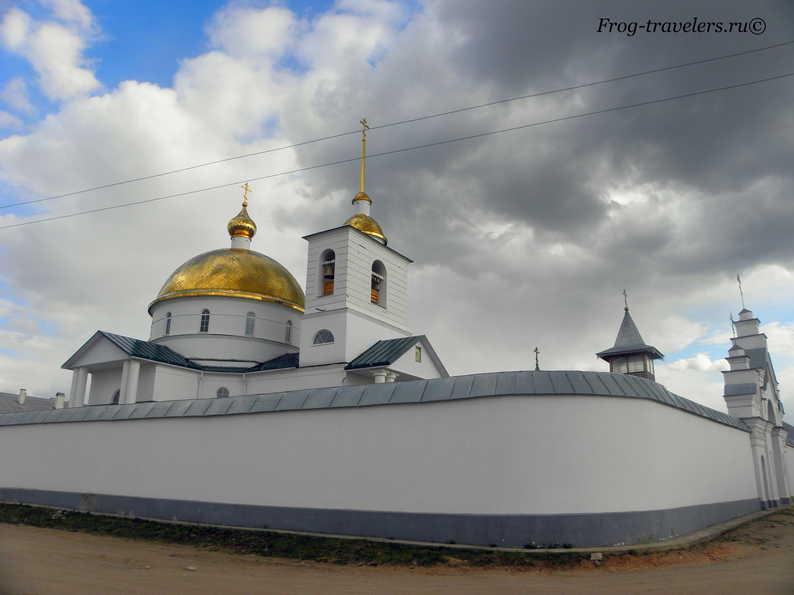 Свято-Казанский Симанский женский монастырь - достопримечательность города Острова Псковской области