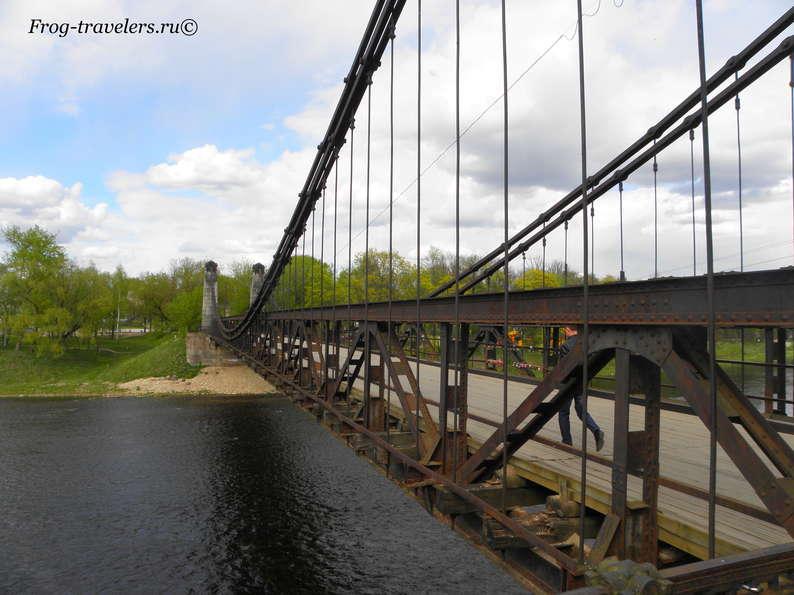 Уникальные цепные мосты и другие достопримечательности города Остров