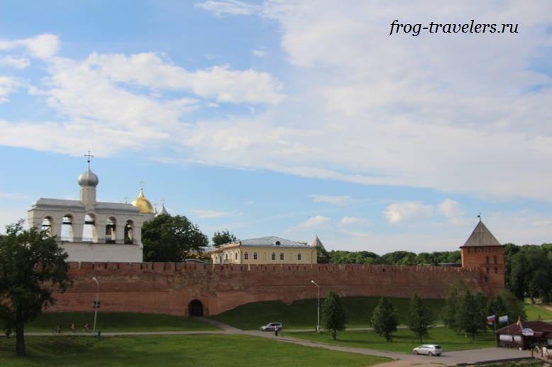 Детинец - центр Великого Новгорода на фото