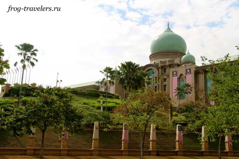 Дворец Правительства Путруджайя