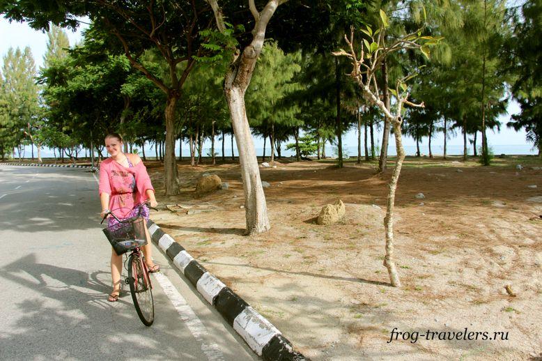 Марина Саморосенко на велосипеде