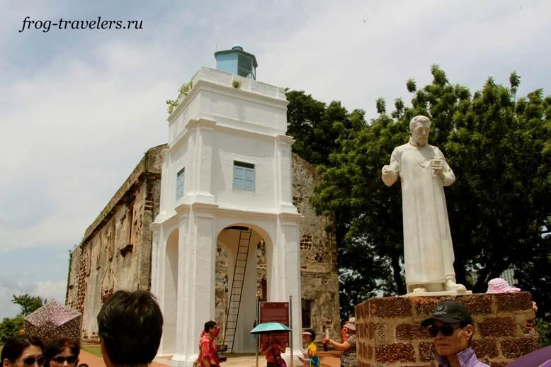 Памятник Франциску Ксавьеру