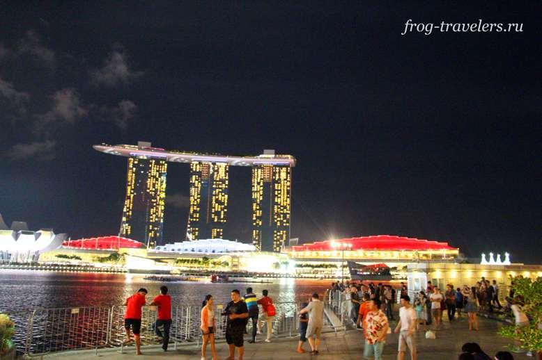 Отель с бассейном на крыше Marina Bay Sands Сингапур