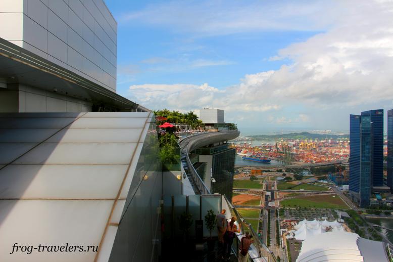 Вид на бассейн гостиницы Marina Bay Sands