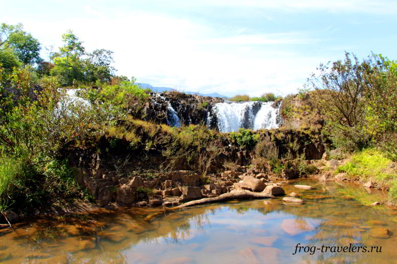 Tad Faed Waterfall