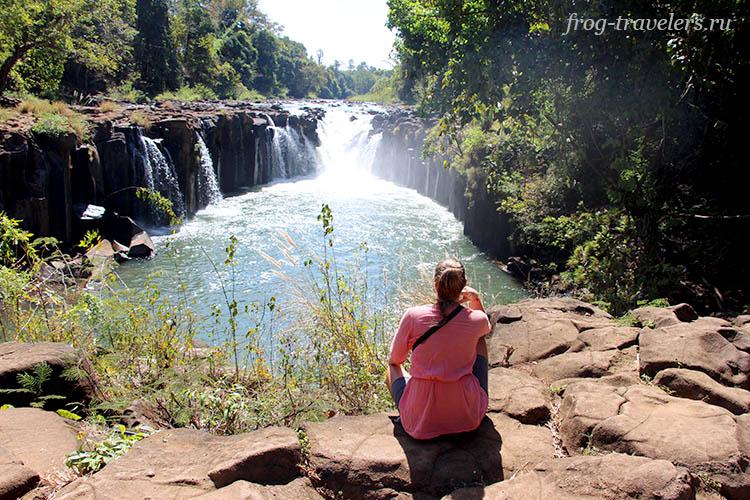 Водопад Tad Pha Suam Waterfall