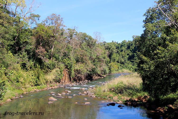 Река Vang Ngao Лаос